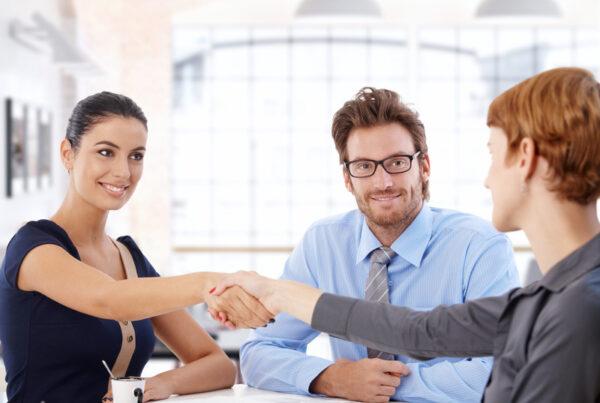 Cómo conseguir visitas comerciales efectivas con clientes potenciales con estas 2 estrategias de marketing digital